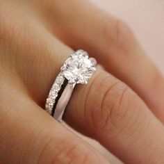 awesome 55 Simple Engagement Ring for Every Kind of Women https://viscawedding.com/2017/05/05/simple-engagement-ring-every-kind-women/