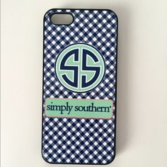 Simply Southern iPhone 5/5s case right fit, loved this case, hardcase, very minuscule chips (shown in picture) Simply Southern Accessories Phone Cases