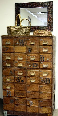 Vintage Library Card Catalogs Transformed Into Awesome Furniture Vintage library card catalogs DIY upcycled into furniture. - Dishfunctional Designs: Vintage Library Card Catalogs Transformed Into Awesome Furniture Antique Furniture, Cool Furniture, Industrial Furniture, Antique Decor, Wooden Furniture, Office Furniture, Casa Hipster, Do It Yourself Upcycling, Vintage Library
