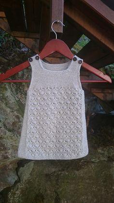 Ravelry: Bringebærkjolen pattern by Pinneguri Modern Crochet Patterns, Baby Knitting Patterns, Baby Patterns, Knit Baby Dress, Baby Cardigan, Diy Crochet, Crochet Baby, Crochet Top, Ravelry