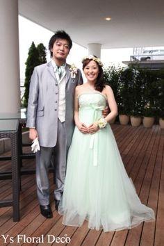 6月にクラシカベイリゾート横浜さんで挙式ご披露宴の新婦さんより、素敵なお写真が届きましたのでご紹介いたします。 お色直しの花冠、リストレット、ブートニア...