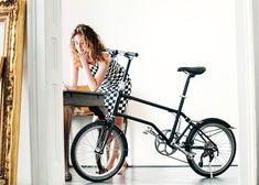 "Valentin Vodev's Vello bike folds with ""a simple kick"""