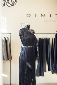Dimitri Store - Dimitri Shop  #dimitristore #dimitrishop #bydimitri #dimitri #shop #store #meran #italy Woman Silhouette, Timeless Elegance, Cashmere, Chiffon, High Neck Dress, Feminine, Slim, Female, Elegant