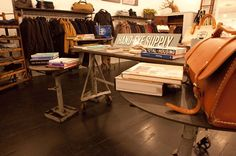 Dunderdon - hipshops in New York Intelligent Design, Store Displays, Innovation, New York, Desk, Furniture, Home Decor, Smart Design, New York City