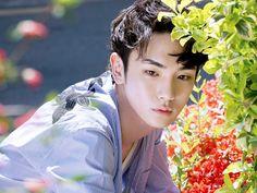 [Vyrl] SHINee : 샤이니 키, '나일론' 6월호 커버를 장식하다. 개성만점 #샤이니 #키 와 감각적인 패션 매거진 #나일론❤ 평범하기를 거 Onew Jonghyun, Lee Taemin, Key Shinee, Shinee Debut, Choi Min Ho, Lee Jinki, Instyle Magazine, Cosmopolitan Magazine, Kim Kibum
