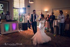 Een dans die bij jullie past Wedding First Dance, This Is Us, Formal Dresses, Fashion, Formal Gowns, Moda, Fashion Styles, Formal Dress, Gowns