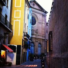 A beautiful alley in Valencia's old town - from the Velvet Escape blog. More info at www.turisvalencia.es