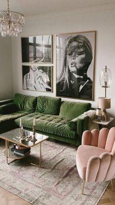 Living Room Green, Boho Living Room, Living Room Colors, Living Room Sofa, Apartment Living, Art For Living Room, Colorful Living Rooms, Green Living Room Ideas, Living Room Paintings