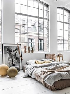 Couleur Locale - via Coco Lapine Design / big windows / bed on the floor / art Home Interior, Interior Architecture, Bohemian Interior, Design Interior, Luxury Interior, Color Interior, Interior Styling, Business Architecture, Stylish Interior