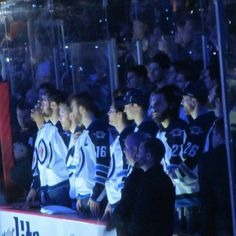 #NHLJets come out to watch Teemu's banner ceremony #For8verTeemu