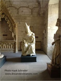 Palace of the Popes Avignon France Vatican, Reign, Rome, Palace, Catholic, France, Statue, Palaces, Royalty