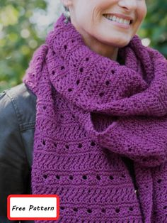 Free Scarf Knitting Patterns for 2020 Free knitting pattern for an easy eyelet and texture scarf Free Knitting Patterns For Women, Cable Knitting Patterns, Scarf Patterns, Knitting Ideas, Knitting Stitches, Knitting Projects, Mens Knitted Scarf, Infinity Scarf Knitting Pattern, Knitted Cowls