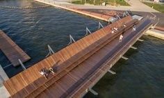 Both interventions are part of the 'İzmirSea' coastal regeneration project and turn the site into a public attraction point in Izmir's Karşıyaka district.