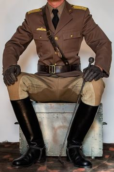 Full uniform with tall boots! Tall Leather Boots, Tall Boots, Leather Men, High Boots, Men's Boots, Leather Gloves, Horse Riding Clothes, Riding Gear, Horse Riding Boots