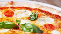 Ravintolaruoan tilauspalvelu Pizza-online.fi:n mukaan pizza maistuu erityisen hyvin suomalaisille joulun jälkeen. Vuoden suurin menekkipäivä on uudenvuodenpäivä. Alueellisia erojakin löytyy: esimerkiksi porvoolaisten hittipizza saattaa ihmetyttää muualla Suomessa.