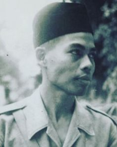 The Great General Sudirman Old Pictures, Old Photos, Vintage Photos, Indonesian Independence, Indonesian Art, Science And Nature, Armed Forces, Historical Photos, Celebrity Photos