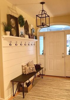 Shiplap entryway with hooks and bench! Shiplap entryway with hooks and bench! The post Shiplap entryway with hooks and bench! appeared first on Flur ideen. Decoration Entree, Decoration Design, Entrance Decor, Entryway Decor, Entryway Hooks, Entryway Ideas, Apartment Entryway, Entryway Bench, Garage Entryway
