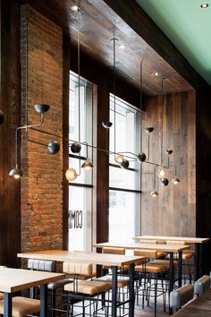 32 Beautiful Kitchen Lighting Ideas for Your New Kitchen  Kitchen Lighting Ideas Recessed, for low ceilings, farmhouse, over sink, pendant, modern, over bar  #HomeDecorIdeas #ConcreteCountertops #WoodWorkingProjects #KitchenDesign #DiyHomeDecor