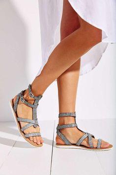 10 Summer Sandals Under $100