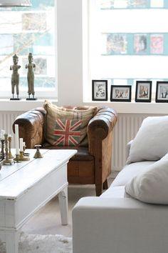 MRS JONES: Amazing white home in Glorian Koti magazine