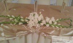 white gladiolus Wedding 2015, Summer Wedding, Gladiolus Wedding, Wedding Decorations, Table Decorations, Paper Flowers Diy, Wedding Table, Centerpieces, Hochzeit