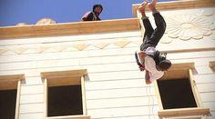 """""""ไอเอส"""" โยน 2 หนุ่มเกย์ลงจากตึกก่อนโดนเด็กๆรุมปาหินซ้ำจนตาย (ชมภาพ)"""