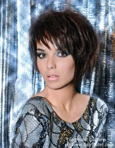 Hairstyles, haircuts, hair care and hairstyling. Hair cutting and coloring techniques to create today's popular hairstyles. Short Layered Haircuts, Short Haircut, Trendy Haircuts, Bob Haircuts, Platinum Hair Color, Natural Hair Styles, Short Hair Styles, Curly Hair Types, Tousled Hair