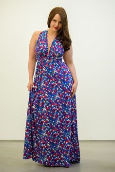 This is resulted in a huge range of plus size garments in the markets and are available in several beautiful combinations of design, style, pattern and material. There are several options in the market when it comes to plus size clothing, right from the expensive designer garments to cheap plus size clothing. There is something for everybody and there are plenty of options available.