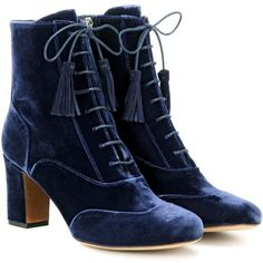 Tabitha Simmons Afton Velvet Ankle Boots (126.450 HUF) ❤ liked on Polyvore featuring shoes, boots, ankle booties, ankle boots, blue, velvet, tabitha simmons, tabitha simmons booties, blue ankle booties and ankle bootie boots