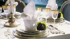 die 138 besten bilder von tisch eindecken napkins cloth napkins und napkin holders. Black Bedroom Furniture Sets. Home Design Ideas