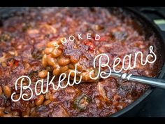 These smoked baked beans are a great way to use up grill space on a low and slow cook. Rich, smoky flavor penetrates this hearty side dish. Traeger Recipes, Grilling Recipes, Gourmet Recipes, Healthy Recipes, Grilling Tips, Smoked Baked Beans Recipe, Baked Bean Recipes, Barbacoa, Bbq Beans