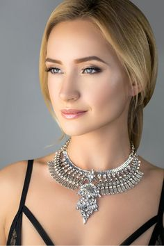 Must-have! Fashion dresses IKOVA Necklace, Silver necklace , fashion necklace , white stones necklace