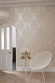 Wallpaper Trends 2016: 19 Stunning Examples of Metallic Wallpaper Gold-and-white-1-682x1024