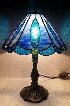 30101 ステンドグラスのランプ