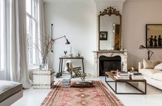 Gravity Home: Living room in a historic Amsterdam home
