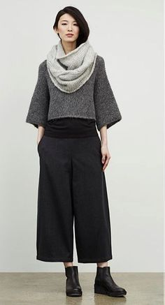 Eileen Fisher September look - This girl looks COOL. Idk if i could pull the whole look off but i like the shapes and the boots look easy to wear. Look Fashion, Winter Fashion, Fashion Outfits, Fashion Design, Fashion Trends, City Fashion, Eileen Fisher, Looks Style, Style Me