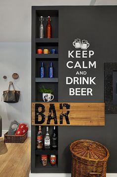 O bar mais bacana que já ví e foi feito com nichos na própria parede. Projeto da arquiteta Carolina Rocca da CRArquiteturaePaisagismo.com.br