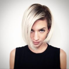 20 Trendy Short Hair Styles for Women - Neue Frisuren 2019 Dark Blonde Hair Color, Platinum Blonde Hair, Hair Studio, Dream Hair, Hair Today, Hair Dos, Ombre Hair, Pretty Hairstyles, Hair Trends