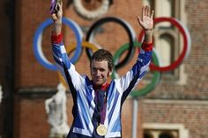 Gold medallist Britain's Bradley Wiggins celebrates on the podium during the victory ceremony for the men's cycling individual time trial at the London 2012 Olympic Games at Hampton Court Palace (Reuters) Chris Froome, Bane, Bradley Wiggins, Team Gb, Hampton Court, Olympic Games, Trials, Olympics, Britain