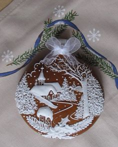 icu ~ Beautiful Cookie Art in 2019 Fancy Cookies, Sweet Cookies, Cute Christmas Cookies, Christmas Balls, Homemade Christmas Gifts, Christmas Baking, Cookie Images, Holiday Cakes, Xmas Ornaments