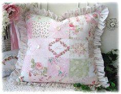 Ricami e uncinetto nei cuscini Shabby….. A me piace vedere sopra i ...