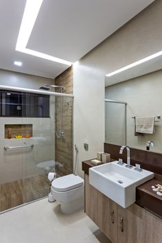 Balcões para banheiro e com cores claras. Na Construcon você encontra! http://www.construcon.net.br/