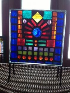 I'm obsessed with stained glass mosaics on glass blocks, many more to come! Glass Houses, Stained Glass Panels, Medieval Art, Glass Blocks, Mosaic Glass, Mosaics, Art Projects, Art Ideas, Tutorials