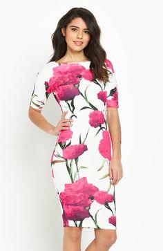 Sukienka z efektownym nadrukiem marki AX Paris. 269 zł na http://www.halens.pl/moda-damska-na-gore-5750/sukienka-576517?imageId=398512&variantId=576517-0022