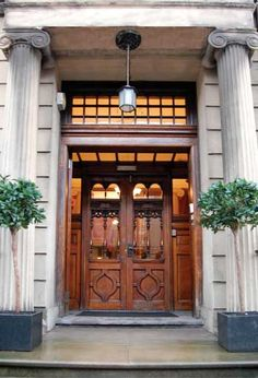 Glasgow Art Club Main Entrance