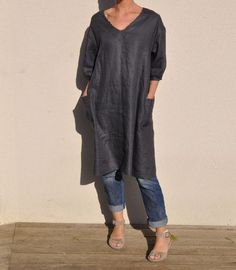 Linen tunic with pockets (Japanese sewing book). love the contrast bias trim on neckline and pockets.
