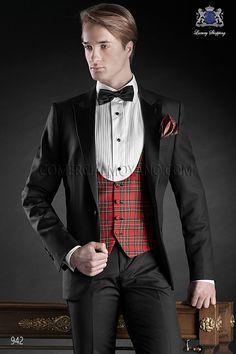 Traje de novio italiano esmoquin a medida, en lana súper 100's con solapa pico raso y un boton, modelo 942 Ottavio Nuccio Gala colección Black Tie 2015.