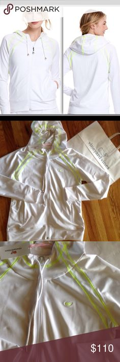 JUST IN ✔️NWT tennis hoodie by Vineyard vines Brand new Performance tennis hoodie by Vineyard vines size Small 🚫NO TRADES🚫REASONABLE OFFERS WELCOME ✔️🚫NOT LOWBALLING 🚫 SOLD OUT ONLINE Vineyard Vines Jackets & Coats