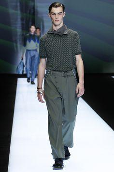 Emporio Armani Spring 2017 Menswear Fashion Show