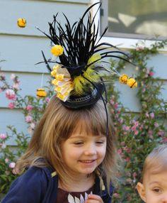 #bee #fascinator #DIY #flowhive Headdress, Headpiece, Fascinator Diy, Pumpkin Costume, Diy Pins, Bee Theme, I Dress, Bees, Party Themes